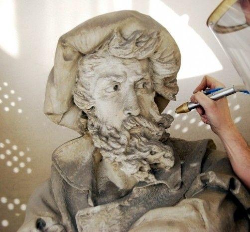 Restauració de monuments amb sorrejats a baixa pressió